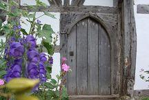 Ovi onneen avaa se
