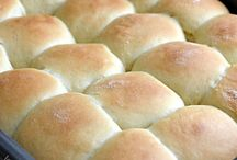 Breads and Rolls / by Karla Dunham