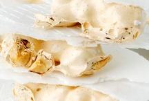 Torrons d'Agramunt / El Torró d'Agramunt és fruit d'una acurada barreja d'avellanes o atmelles, mel, sucre o xarop de glucosa, pa d'àngel i clares d'ou.