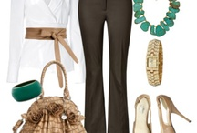 Profesional / This is an example of what to wear to the office.
