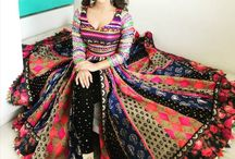 Garba mehandi outfits fashion / This board portraits trendy outfits for Garba and Mehandi functions