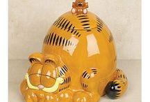 COOKIE JARS / by Helen Moller