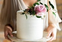 Cakes with fresh flowers
