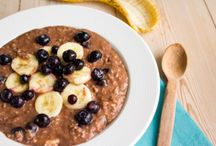 Vegan Breakfast / A board filled with vegan breakfast recipes, including oatmeal, pancakes, smoothies, granola and more. http://themostlyhealthy.com