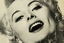 Vinyl Music Record Cover Design / #pop #jazz #music #artist #vinyl #reccord #cover #design