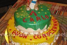 Torta cake design con orsetto crema diplomatica alla vaniglia e frutti di bosco