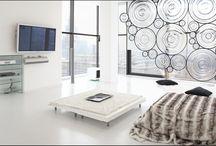 CLEE wal panels by Filip Houdek 2016 / skleněná zástěna CLEE, kterou navrhl Filip Houdek a vyrábí studio HG Atelier Design. Poskytuje soukromí a zároveň dodává interiéru osobitý charakter. Jednotlivé prvky se dají sestavit-seskupit do rozměrných ploch spolu s odlehčenou nerezovou konstrukcí v tomto projektu upravenou matnou černou barvou, kombinaci s křištálovým sklem ve 3D modelaci.....  www.hgatelier.com