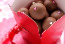 Kiss me. I'm your Valentine <3