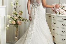 wedding dresses fuller figure