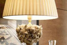Бежевая настольная лампа / Бежевый плафон. Бежевый настольный светильник. Лампа с бежевым абажуром.