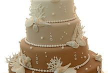 Awesome Cake & Cupcake Ideas / Decorating & flavor ideas. / by Johnna Gideon