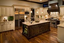Kitchens / by MaryKelly Hucko