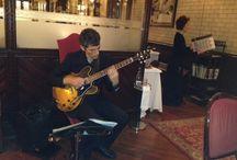 Concierto de música en directo de Joel Moreno Codinachs / Joel Moreno Codinachs deleitó en Restaurant Casa Calvet con un concierto de guitarra con sabor a jazz.