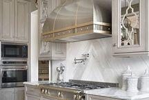 {Elegant} Kitchens