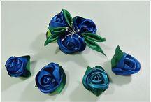 Botones de Rosa en cintas