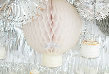 silver wedding - Hochzeitsideen silber / Hier findet ihr wundervolle Ideen und Dekorationen für eure Hochzeit in der Farbe silber.