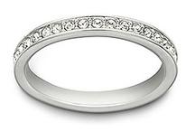 Accessories / rings, necklaces & bracelets
