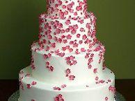 Ways to Save on Your Wedding Cake / Tips for saving money on wedding cake