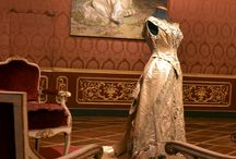 Costumes & history dresses and of opèra