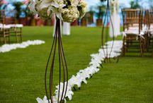 wedding arrangments / by Ashley Crosby