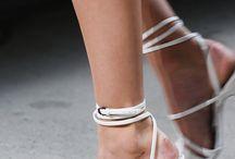 shoes. ..