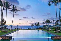 Piscinas incríveis / Algumas piscinas que dão vontade de tirar férias só para ir até lá dar um mergulho. Quer escolher um hotel incrível para as suas próximas férias? Fale com a gente: info@handmadevacations.com.br
