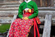Swedish folk costumes / by Marie-Louise Avery