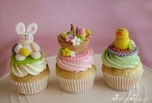 Cakes by Sweet Scarlet / by Sweet Scarlet Designs