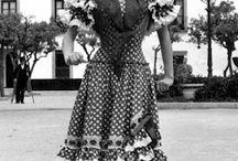 Personajes históricos y fotos antiguas ByN en la Feria