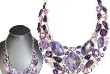 Colliers indien / Les merveilles de bijoux indiens.  Collection de colliers indiens, en argent ou metal argenté. tribal et ethnique sur http://www.boutique-indienne.fr