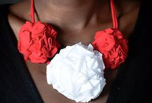 Rosette Necklace With Amazing Color Combination