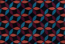 """Eras: Um novo olhar / Em 2017, comemorando os seus 40 anos, a Santa Mônica lançou """"Eras: um novo olhar"""".  Convidamos sete profissionais que valorizam o design e são referências em suas áreas para fazer a releitura de seus tapetes mais icônicos."""