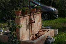 """Forcalquier, Provence / Unsere gute Freundin Lydia vermietet in der Provence in Forcalquier traumhaft schöne Ferienwohnungen in der Mas """"Hameau des Chambarels"""".   Die Wohnungen sind sehr ruhig und der Ausblick in die Weite der Provence ist gigantisch! Lydia richtet sich momentan ein Cafè ein. Hier die ersten Bilder"""