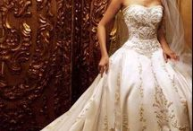 Wedding gowns: Victorian and other fancy things / Not even engaged, but it's good to have a plan, right? / by Michelle F