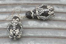 Earrings / Handmade beaded earrings