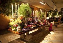 Mesa de Doces / Mesas de doces completas para inspirar. Seja ela de madeira, vidro, espelho, redonda, quadrada... A mesa de doces virou atração em todos os casamentos.