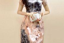 Vestido Elegance / Cintura alta Côr: água de rosa Manga curta Saia lanterna Decote redondo Tamanho M Fechamento com zíper Saia curta