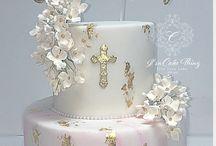 Marble fondant cakes
