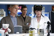 NCIS pics / Behind the scenes, screen caps, promo pics, pics posted by cast on twitter etc...