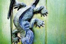 Door knockers / by Therese Dignard