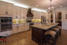 Dream Kitchens / Design inspiration for the kitchen of your dreams from lighting to cabinets and color palettes to creative layouts.