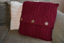 Crafts-Knit Pillows