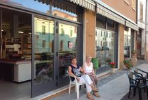 """Negozio """"La Bottega"""" Famiglia Guizzardi / Foto del negozio"""