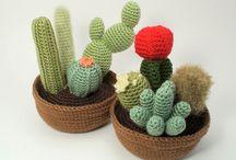 Cactus y Plantas crochet / by Celeste Cielo