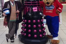 Dalek Davina raises money at The Royals / Attention humanoids! Dalek Davina would like to thank those of you who generously donated towards Southend Hospital Charity's Keyhole Cancer Appeal and NET Patient Foundation in November 2015.  Let's fight to EXTERMINATE cancer!