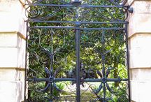 Charleston Gates / Charleston's gates and gardens. The Charleston garden has been one of the city's most venerated treasures.