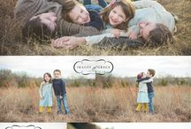 Family Picture Ideas / by Kelly Mott
