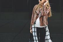 """""""Mom Fashion"""" easy stylin'"""