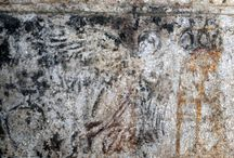 PHOTOS OF THA ARCHITRAVES / PHOTSO OF THE ARCITRAVES FOUND SHOWING HUMAN