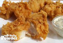 Panierowana, chrupiąca ryba / Oto smaczna i chrupiąca ryba. Wykorzystaliśmy produkty Holly Powder: wspaniałą przyprawę do ryby, marynatę oraz panierkę.